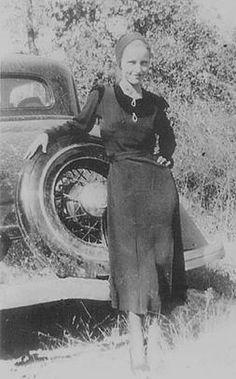 Bonnie Elizabeth Parker was born on October 10, 1910, in Rowena, Texas.                                                                                                                                                                                 More