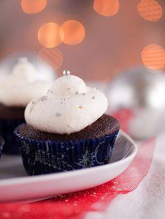 Odbrojavamo nešto sitno do Božića i prve runde dobre papice i kolača. Većina ljudi je svoje, samonametnute, blagdanske zadatke odradila i sad uživaju uz opuštajuću svjetlost božićnih lampica…