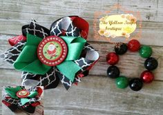 STACKED SANTA CLAUS bow + bracelet by YellowTeapotBoutique on Etsy
