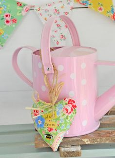 these would be great treat 'bags' for a little girls birthday party
