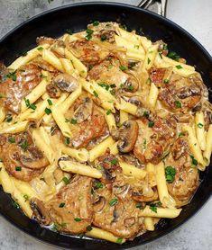 Pork Recipes For Dinner, Pasta Recipes, Cooking Recipes, Recipes With Pork And Pasta, Barbecue Recipes, Oven Recipes, Easy Cooking, Chicken Recipes, Pork Mushroom