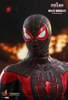 Hot Toys Spiderman, Spiderman Suits, Black Spiderman, Spiderman Art, Amazing Spiderman, Marvel Films, Marvel Art, Marvel Cinematic, Marvel Avengers