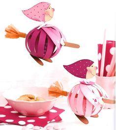 * * *La boite à idées de l' atelier 3B* * *: DIY Paper balls Cute Crafts, Craft Stick Crafts, Diy And Crafts, Crafts For Kids, Kindergarten Crafts, Preschool Art, Bricolage Halloween, Halloween Crafts, Disney Crafts For Adults