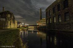 Leeds & Liverpool Canal, Weavers Triangle, Burnley, Lancashire, England. 2nd February 2015.