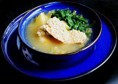 gotuję komuś...: Zupa porowa z klopsem z indyka, ziemniakami i kaszą pęczak. BLW