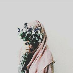 I'm Confident Being Myself: Bukan Hanya Surga Saja yang Dirindukan, Kaum Hawa . Hijab Niqab, Hijab Chic, Hijab Outfit, Muslim Girls, Muslim Couples, Muslim Women, Anime Muslim, Muslim Hijab, Hijabi Girl