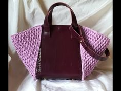 """New Cheap Bags. The location where building and construction meets style, beaded crochet is the act of using beads to decorate crocheted products. """"Crochet"""" is derived fro Crochet Bag Tutorials, Crochet Videos, Tutorial Crochet, Crochet Handbags, Crochet Purses, Chevron Purse, Handbag Tutorial, Crochet Shell Stitch, Macrame Bag"""