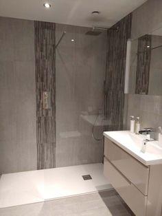 Dark Brown Bathroom, Dark Wood Bathroom, Bathroom Wall, Bathroom Ideas, Modern Bathroom Design, Bathroom Interior Design, Modern Interior, Wall Spaces, Wall Tiles