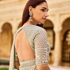 Latest bridal blouse designs - Tikli The much awaited list is here Ladies. Have a look at the latest blouse designs trends for this year. The list will surely amaze you. Blouse Back Neck Designs, Best Blouse Designs, Bridal Blouse Designs, Saree Blouse Designs, Blouse Styles, Neckline Designs, Lehenga Designs, Sari Design, Sari Blouse
