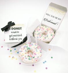 Are your bff's donut-obsessed? This is the perfect bridesmaid proposal box for them! | Bridesmaid Proposal | Maid of Honor Proposal | Will You be my Bridesmaid | Funny Bridal Party Proposal | Donut Bridesmaid Proposal | Donut Wedding Ideas | #bridesmaidproposal #donuts