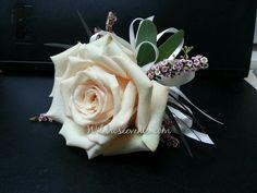 this beautiful tiffany rose makes a stunning corsage. #dallasflorists #wildroseevents #Tiffany #rose #corsage #wedding www.wildroseevents.com
