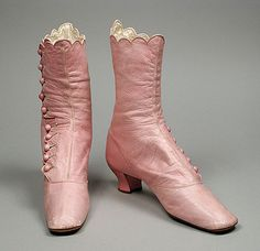 Oh look at these pink Victorian boots! I'm not a huge pink person, but pink boots just seem so... decadent! I mean - they're not black or brown or match with everything, they're a light enough color that they'd show damage easily. Can you imagine being the woman who would wear these shoes? Sigh...