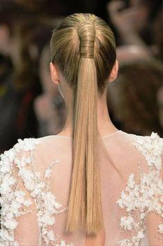 moderne Brautfrisuren eleganter Pferdeschwanz