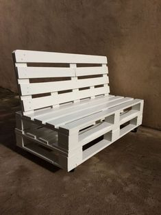 This costco patio furniture is a really inspirational and terrific idea Costco Patio Furniture, Pallet Garden Furniture, Diy Furniture, Diy Pallet Projects, Pallet Ideas, Diy Bedroom Decor, Diy Home Decor, Palette Deco, Pallet Seating