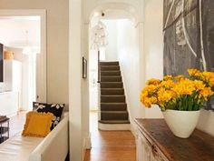 modern home white/yellow