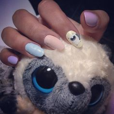 Lemure inspired pastel gel nails