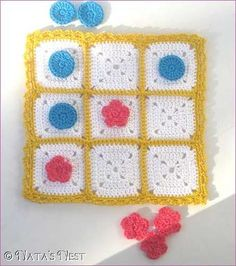 Natas Nest: Tic Tac Toe Travel Game - Free Pattern. ☀CQ #crochet #grannysquare
