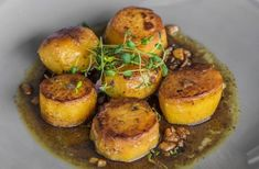 The Hairy Bikers' fondant potatoes recipe is an easy upgrade to the traditional roast potatoes - flavoured with garlic, thyme and butter, they're delicious! Gordon Ramsay Butter Chicken, Fondant Potatoes, Buttered Cabbage, Classic French Dishes, Potato Dinner, Potato Vegetable, Vegetable Dishes, Vegetable Recipes, Roast Dinner
