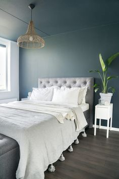 35 Amazingly Pretty Shabby Chic Bedroom Design and Decor Ideas - The Trending House Blue Master Bedroom, Bedroom Wall, Bedroom Decor, Cozy Bedroom, Master Bedrooms, Simple Bed, Blue Curtains, Scandinavian Bedroom, Luxurious Bedrooms