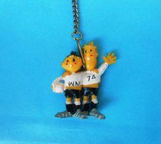 FIFA FOOTBALL SOCCER WORLD CUP - GERMANY 1974. mascot TIP&TAP fussball  KEYCHAIN  | eBay