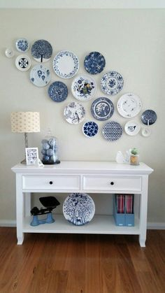 40 ideas to decorate the walls is part of Plate wall decor - 40 ideas para decorar las paredes 40 ideas to decorate the walls Thousand Decoration Ideas Decor Room, Diy Home Decor, Bedroom Decor, Photowall Ideas, Plate Wall Decor, Wall Plates, Hanging Plates On Wall, Diy Casa, Plate Display