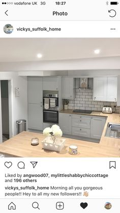A good layout, similar to what could work. Small Kitchen Diner, Open Plan Kitchen Dining Living, Kitchen Diner Extension, Kitchen Family Rooms, Living Room Kitchen, Home Decor Kitchen, Kitchen Interior, Home Kitchens, Modern Country Kitchens