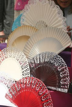 rastro de Madrid,  Spain Hand Held Fan, Hand Fans, Flamenco Costume, Foto Madrid, Country Scenes, Spain And Portugal, Andalusia, Pure Beauty, Spain Travel