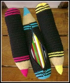 New crochet kids purse girls free pattern 67 Ideas Crochet Pencil Case, Crochet Case, Crochet Purses, Crochet Gifts, Crochet Toys, Crochet Stitches, Knit Crochet, Kids Knitting Patterns, Kids Patterns
