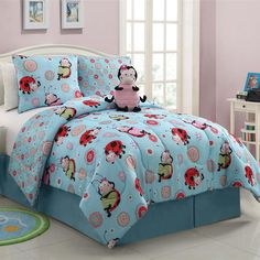 Give your little one's room a fun and colorful makeove with this three-piece comforter set. It has a fun lady bug pattern that you can use as part of an adorable theme, and everything's made from 100 percent polyester, so it's very comfortable.