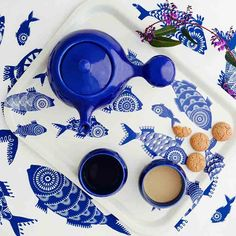 Have a cup of tea and chill out!  Bulb teaset in cobalt with my new Jamida fish tray :)  #jamida #Bulb #cobalt #blues #lifestyleceramics #design #flatlays #viewfromabove #lazymorning #etsyseller #differencemakesus #etsysuccess #abmlifeiscolorful #photosinbetween #myunicornlife #flashesofdelight #livecolorfully #webstapick #beautiful #grandtea #afternoontea #teaclub #teaporn #teathings #teatime #teablogger #instatea #tea #timefortea