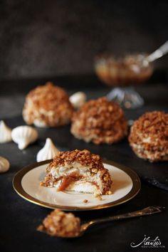 Caramel Rolls, Caramel Tart, Cookie Desserts, Cookie Recipes, Patisserie Design, Muffins, Homemade Pastries, Little Cakes, Mani
