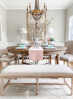 Incredible Fancy French Country Dining Room Design Ideas - The dining room takes on a life of its own when you decorate with a holiday in mind. From the color palette all the way to functionality, you can use . Pedestal Dining Table, Round Dining Table, Dining Room Table, Table Lamps, Dining Set, French Country Dining Room, French Country Decorating, Classic Dining Room, Country Living
