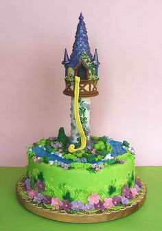 Rapunzel cake. One day I will make this for my friend Ms. Kayla Null.