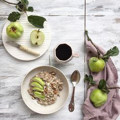 Good morning! Overnight oats with apple from my own garden; I so love the harvest here in autumn. Have a lovely day dear dudes! by _mariannejacobsen_