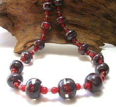 Red/Purple Art Bead Necklace  Handmade Necklaces by SwankyJewels - 43 euro