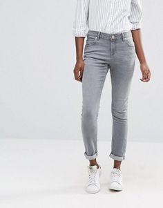 ASOS Kimmi Shrunken Boyfriend Jeans in Des Torres Grey