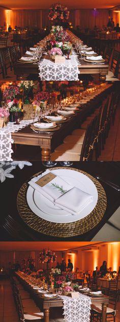 Wedding decor, mesa comunitária, noivos, família e padrinhos, toalha de renda
