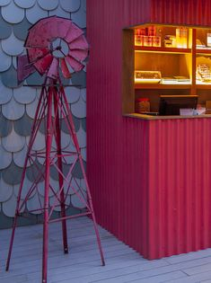 When the city life of Singapore gets you down, the only way is up – up to the new and improved rooftop bar Loof. Designers Takenouchi Webb were brought in to revamp the popular drinking …