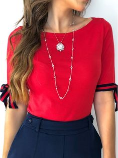 Blusa Red Katia Sleeves Designs For Dresses, Dress Neck Designs, Blouse Designs, Classy Outfits, Stylish Outfits, Cute Outfits, Indian Tunic Tops, African Blouses, Fashion Clothes