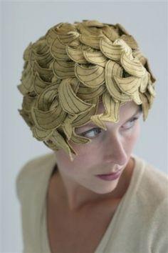 Artikel lezen | Cappello Hoeden Speciaalzaak Knitwear Fashion, Irene, Statue, My Style, Hats, Jewellery, Turbans, Caps Hats, Surrealism