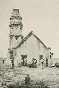 THE PASIG FAROLA [1899]  The Pasig River Light was the first lighthouse erected in the Philippines. It was then located on the north jetty at the mouth of Pasig River, marking the entrance to the river for vessels around Manila Bay, looking to dock on the ports along the banks of the river in Manila.    A light station has been established on the site since 1642. The first lighthouse structure was e  rected by the ruling Spanish government and lit on September 1, 1846.