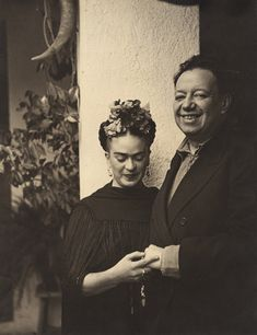 Nickolas Muray Frida Kahlo e Diego Rivera a Tizapán, 1937 Stampa in gelatina, cm Collezione privata Photo by Nickolas Muray © Nickolas Muray Photo Archives Diego Rivera, Natalie Clifford Barney, Frida E Diego, Frida Art, Famous Artists, Great Artists, Fridah Kahlo, Nickolas Muray, Kahlo Paintings