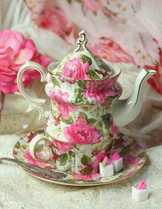 Spring Garden Tea-for-One │ Victorian Trading Company