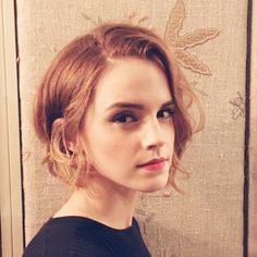 Emma Watson Cut Her Hair Into a Bob!: Photo Emma Watson emerges from her car to head to the screening of The True Cost on Tuesday (December in London, England. The actress co-hosted the event… 2015 Hairstyles, Cute Hairstyles For Short Hair, Celebrity Hairstyles, Short Hair Cuts, Short Hair Styles, Medium Hairstyles, Pixie Hairstyles, Chic Short Hair, Stylish Hairstyles