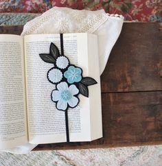 Flower Bookmark - Reader Gift - Best Friend Gift - Teacher Gift - Teacher Appreciation Gift - Bookclub Gift - Unique Bookmark - Bookmark