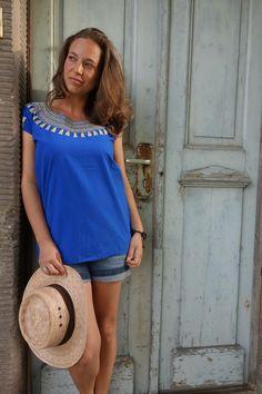 Kurzarmbluse mit Verzierung am Ausschnitt, mexikanische Mode / short blouse, mexican fashion by ModaFrida via DaWanda.com