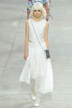 Chanel PFW Primavera 2014: http://juliapetit.com.br/moda/semana-de-moda-de-paris-chanel/
