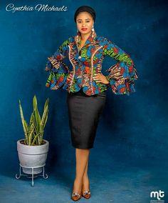 African Fashion Ankara, African Print Fashion, African Wear, African Fashion Traditional, Ankara Blouse, African Tops, African Lace Dresses, African Design, Mode Vintage