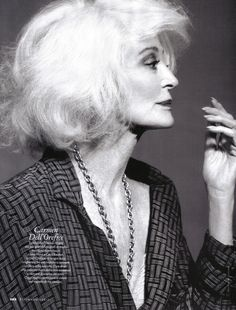ELLE Italia May 2010: Carmen Dell'Orifice