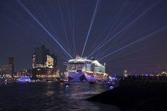 Una grande cerimonia, sponsorizzata da Aida Cruises. al porto di Amburgo | Liveboat sito,forum e blog crociere